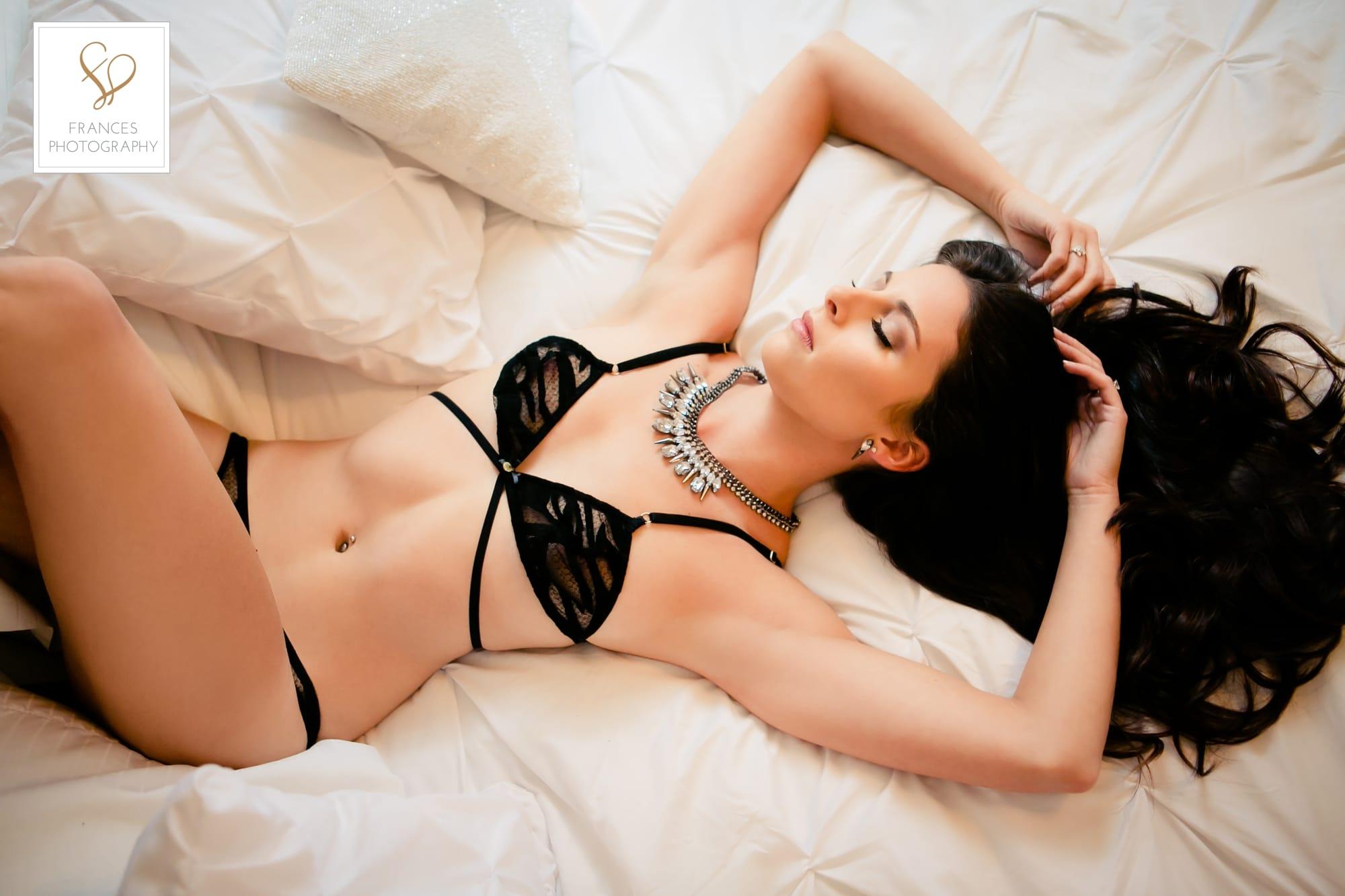 Boudoir photos valentines day bed scene